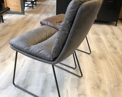 Collection chaise avec accoudoir en tissus et métal